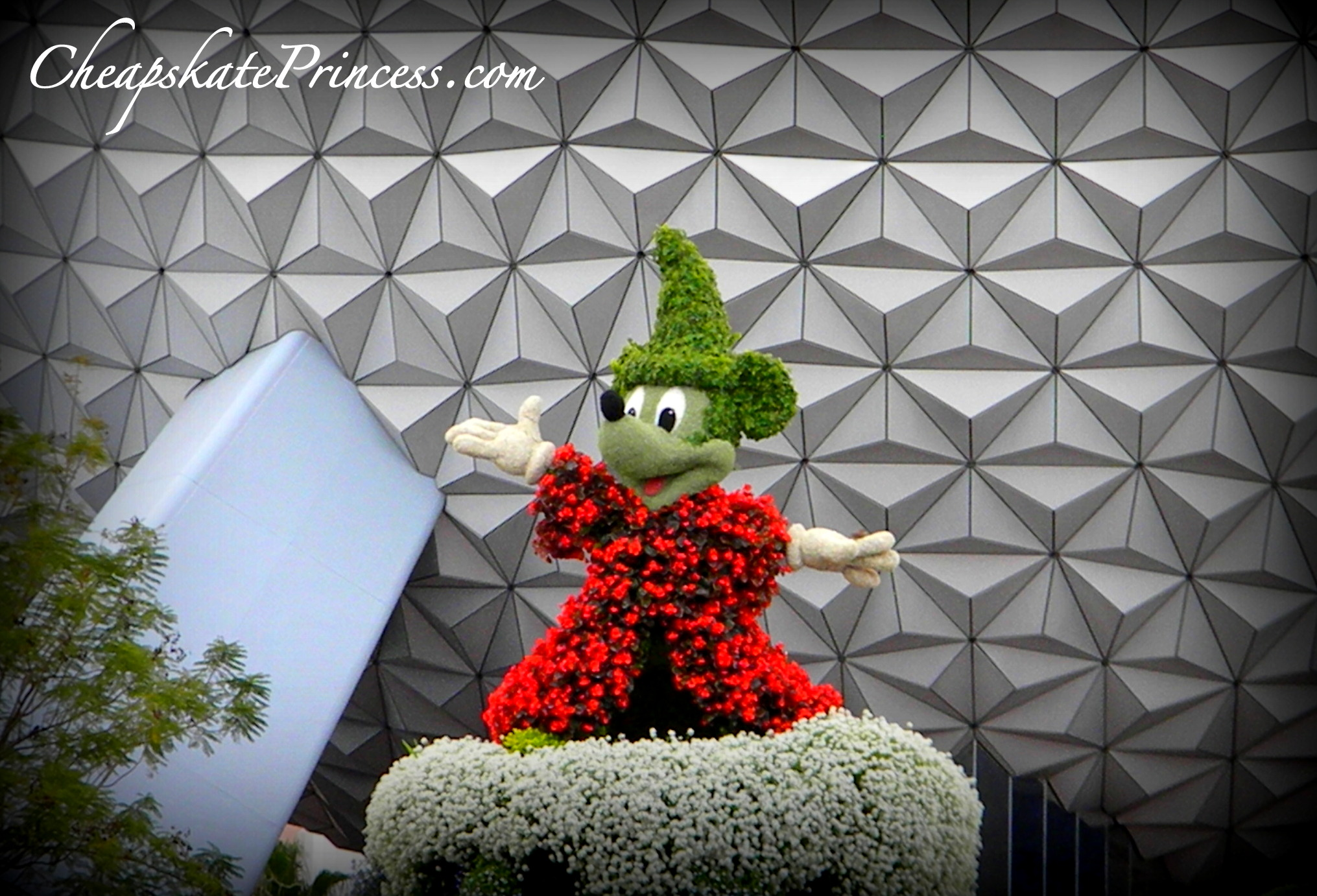 Mickey Mouse topiary, Mickey Mouse flowers, Mickey Mouse in Epcot, Epcot flowers, where is Mickey Mouse in Epcot,