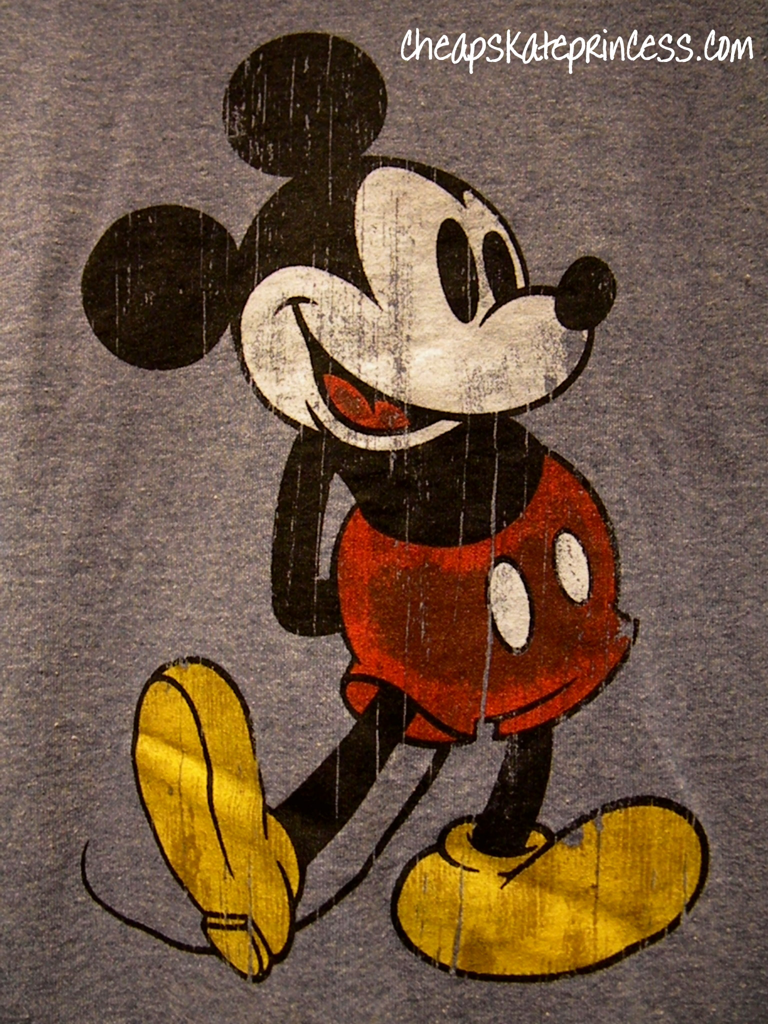 Mickey Mouse t-shirt, photo of Mickey Mouse t-shirt, cute Mickey Mouse t-shirt, Mickey Mouse,