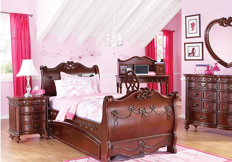 disney princess bedroom furniture if you can t stay in disney world s cinderella suite can 15174