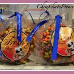 Walt Disney World Must Eat? Chocolate Covered Caramel Apples
